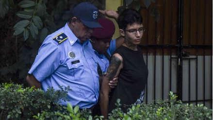 Nicaragua | Sacerdote que fue rociado con ácido en la cara perdonó a su agresora :