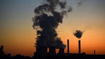 Nobel de Economía: Acuerdos climáticos deberían ser obligatorios y con sanciones para los que no participen