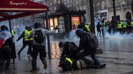 Francia | Protesta de los 'chalecos amarillos' deja 135 heridos y casi 1,400 detenidos