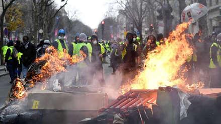 """Gobierno francés reconoce que protesta de 'Chalecos Amarillo' representa """"catástrofe"""" para economía"""