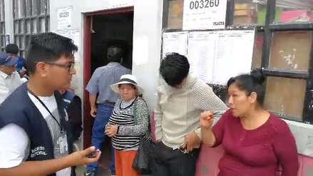 Electores en la cola se escaparon para no ser miembros de mesa en Chimbote