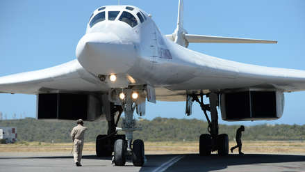 Fotos | Dos bombarderos rusos capaces de llevar bombas nucleares aterrizaron en Venezuela