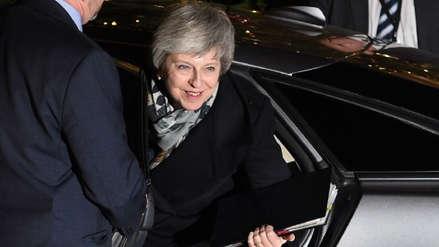 Reino Unido | Theresa May supera la moción de censura presentada por su propio partido