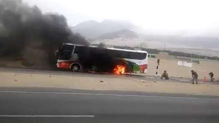 Bus se incendia en la Panamericana Norte cuando se dirigía de Virú a Trujillo