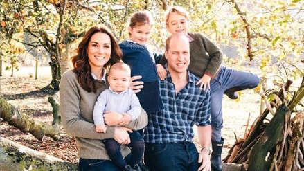 Palacio de Kensington comparte postales navideñas de la familia británica
