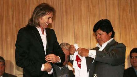 Le da su apoyo: Ricardo Gareca visitó a Edwin Oviedo en la Prefectura de Lima