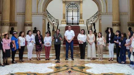Vizcarra dice que priorizará apoyo a jurisdicciones gobernadas por alcaldesas