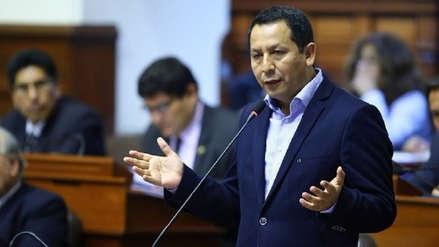 Congresista Clemente Flores denuncia al alcalde de Chiclayo por implicarlo en 'Los Temerarios del Crimen'