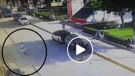 Vídeo capta a mujer que envenena a perros en Lambayeque