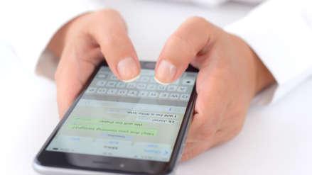 WhatsApp limita el reenvío de mensajes a cinco personas o grupos de chat