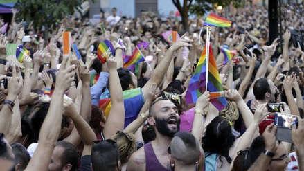 Cuba rechaza legislar sobre matrimonio homosexual en su nueva Constitución