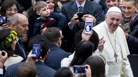 """El papa Francisco pide """"no mundanizar la Navidad"""" con el consumismo"""