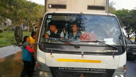 Fiscalizadores de la municipalidad de Surco son acusados de agredir a vendedora de golosinas