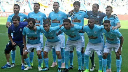 Sporting Cristal anunció la renovación de Renzo Revoredo hasta el 2020