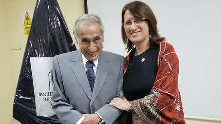 Raúl Jerí, el médico que tiene 100 años y aún atiende a pacientes en el Hospital Dos de Mayo