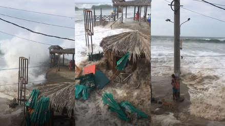 Video | Fuerte oleaje arrasó con sombrillas, mesas y sillas en playa de Máncora