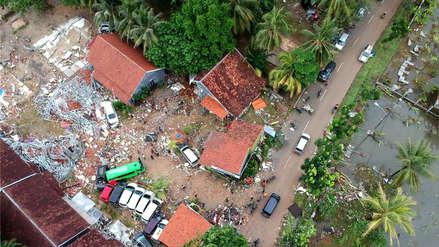 Imágenes aéreas muestran los daños causados por un tsunami en Indonesia [FOTOS]