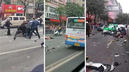 Un hombre acuchilló a un conductor, secuestró el bus y atropelló a cinco personas en China