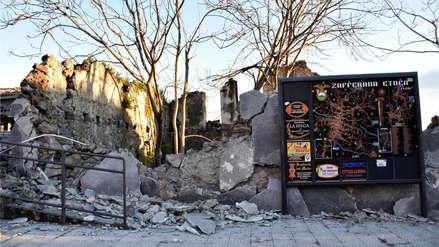 Fotos   Derrumbes y decenas de heridos dejó fuerte sismo en la zona del volcán Etna