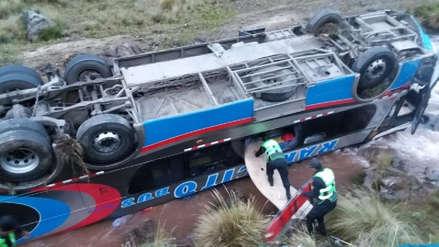 Bus interprovincial cayó a un abismo y dejó al menos 8 muertos y 30 heridos en Huarochirí