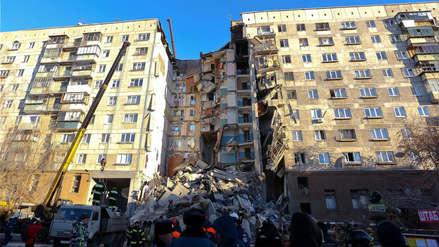 Fotos | Derrumbe de edificio por explosión de gas deja varios muertos en Rusia