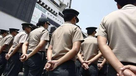 Detienen a dos policías y una abogada acusados de cobrar coima de 18 mil soles a extranjero
