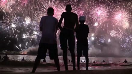 Video | El impresionante espectáculo de Año Nuevo que iluminó el cielo de Río de Janeiro