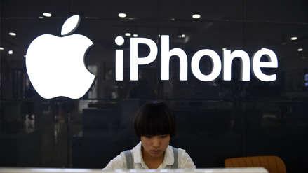 Acciones de Apple caen en apertura y ya es superada por Amazon y Google