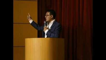 """Alcalde de Huancayo advierte a 'malos' funcionarios: """"Corrigen sus actitudes o se van al carajo"""""""