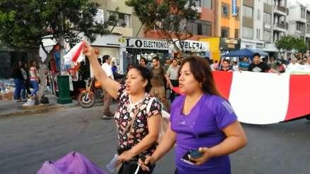 Amas de casa y adultos mayores encabezan marcha contra Chávarry en Trujillo