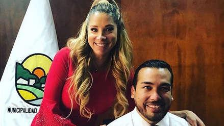Sofía Franco le entregó las credenciales de alcalde de La Molina a su esposo Álvaro Paz de la Barra