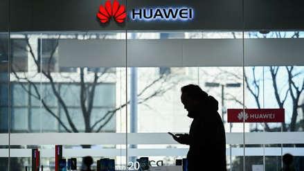 Huawei castigó a dos empleados por tuitear desde un iPhone