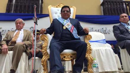 Cajamarca | Alcalde de San Marcos juró al cargo y pidió sentarse en un trono dorado