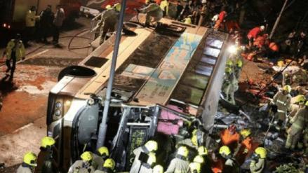 Seis muertos y 50 heridos deja un  accidente de autobús en Tailandia