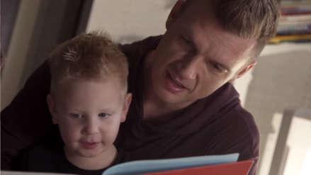 Los Backstreet Boys muestran a sus hijos y esposas en el nuevo y emotivo videoclip de