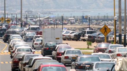 Despiste de camión en la Costa Verde restringió el tránsito