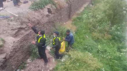 Perro luchó por su vida tras ser arrojado dentro de un costal al río Huatanay en Cusco