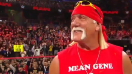 "WWE   Video: Hulk Hogan reaparece en cámaras para homenajear al fallecido ""Mean"" Gene Okerlund"