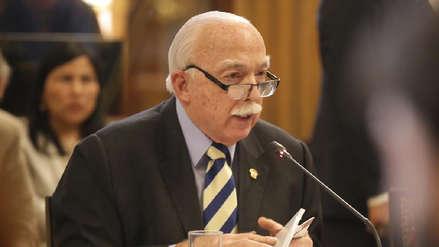 Carlos Tubino pidió disculpas por sesión del Pleno, pero dijo que esta se vio obstruida por Daniel Salaverry