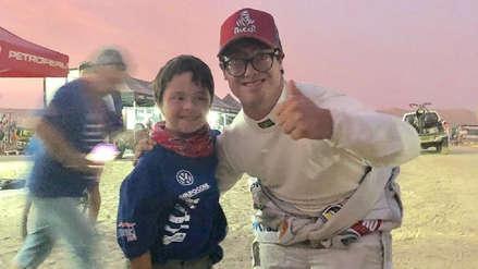 Dakar 2019: Lucas Barrón y el niño que lo esperó hasta el final para celebrar su llegada