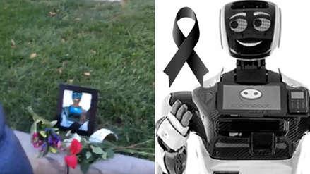 "CES 2019 | Rinden homenaje póstumo a robot ""asesinado"" por automóvil Tesla no tripulado"