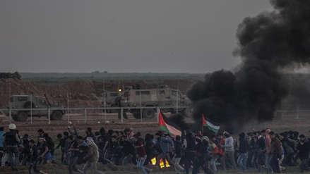 Una mujer palestina murió por disparos israelíes durante las protestas en Gaza