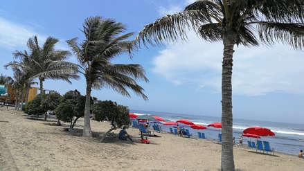 Verano 2019 |  Sepa quiénes son los jóvenes clown que dejan limpia la playa de Huanchaco