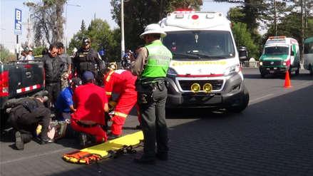 Arequipa | Mujer se salvó de morir tras caer de cúster y ser atropellada