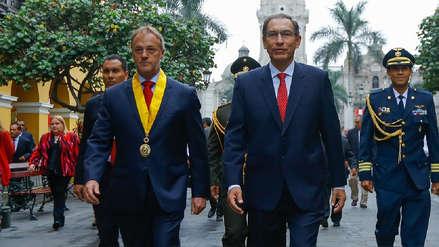 """Jorge Muñoz tras reunión con Martín Vizcarra: """"Me dijo 'plata hay, solo hay que saber utilizarla'"""""""