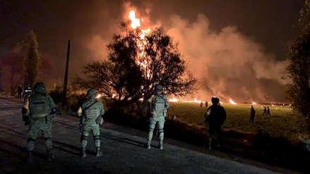 México   Ducto de Pemex explotó cuando decenas de personas extraían combustible