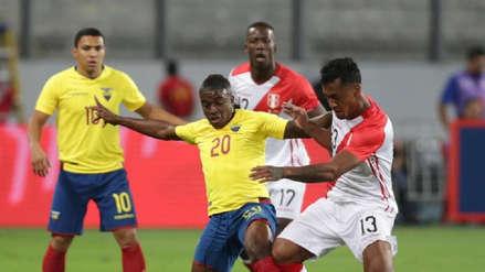 Renato Tapia  y Yordy Reyna alientan a la Sub 20 previo a su debut en el Sudamericano Chile 2019