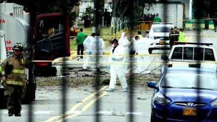 Gobierno de Colombia atribuye al ELN el atentado con coche bomba que dejó 21 muertos