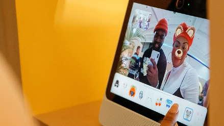 Empleados de Facebook fueron atrapados dándole reseñas de cinco estrellas a Portal