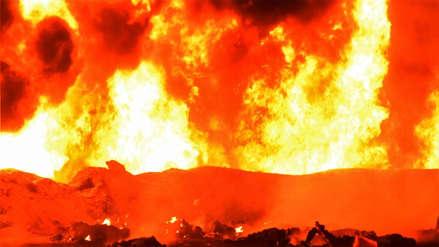Las imágenes del infierno desatado por la explosión de ducto en México que deja 66 muertos